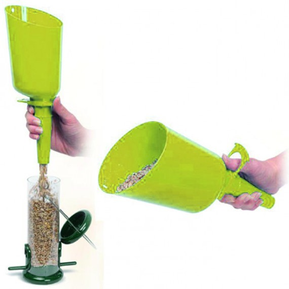 Easy Flo™ Bird Food Scoop
