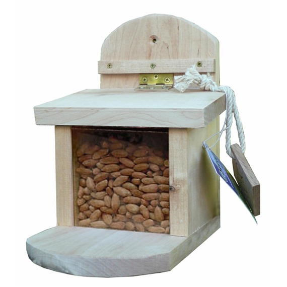 Sturdy Squirrel Feeder